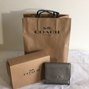 Coach small wallet NWOT